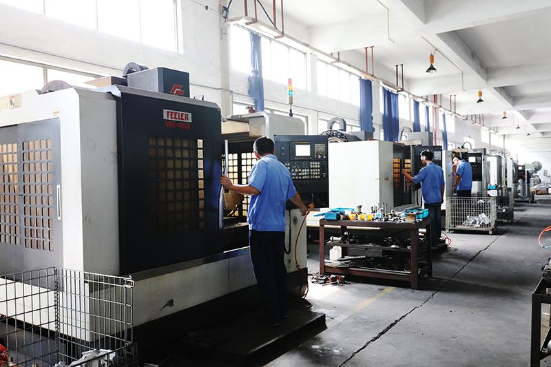 معدات المصانع